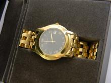 Authentic Gucci Mens Dress Watch W/ Date & Box
