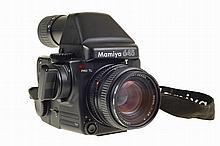 Mamiya 645 camera, complete.
