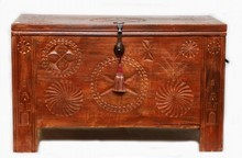 MID 20th C SCANDINAVIAN WOODEN HINGED GEOMETRIC CHEST