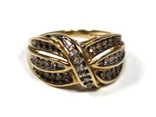 LADIES 10K YELLOW GOLD& DIAMOND RING