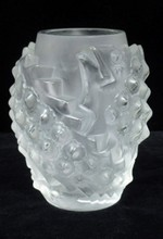 LALIQUE FROSTED GLASS FISH VASE