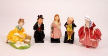 A LOT OF 5 ROYAL DOULTON PORCELAIN FIGURES