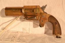 French WWI model 1916 35mm side ejector flare pistol, Grivolat Gerest & Cie, s#105