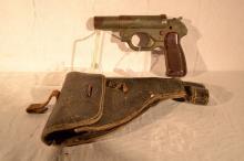 German WWII 26.5mm Leuchtpistole 42, manufactured by Hugo Schneider, s#18177, holster