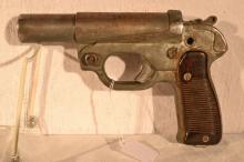 German WWII 26.5mm Leuchtpistole 42, manufactured by C&W Meinel-Scholor, s#124458