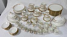 Service de table en porcelaine blanc et or (divers modèles)