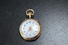 montre de poche en or jaune  beau decor emaillé de