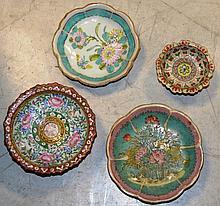 CHINE   4 coupes sur piedouche  en porcelaine