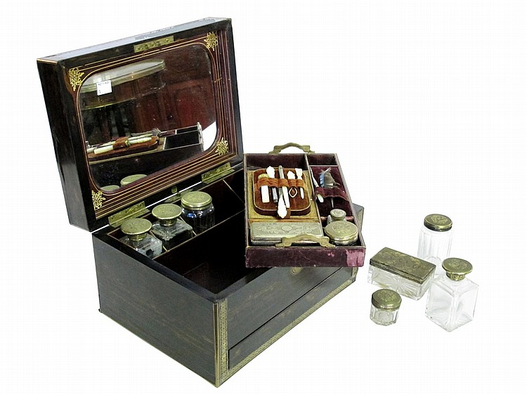 VICTORIAN GENTLEMAN'S TRAVEL DRESSING BOX