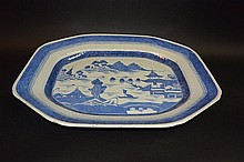 19th C Chinese Export blue & White serving plate