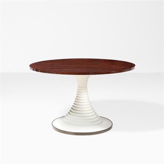 Carlo de Carli (1910-1999) Table Bois, bois laqué et laiton Edition Sormani Date de création : années 60 H 75 × Ø 124 cm Bibliograph...