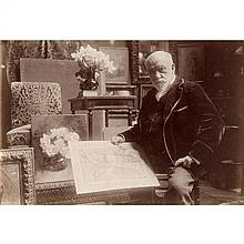 Léon BONNAT (Bayonne, 1833 - Monchy-Saint-Éloi, 1922) Peintre, présentant ses toiles, c. 1900-1910