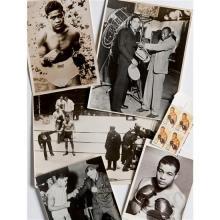 Joe Louis (1914 – 1981)Classeur d'archives, environ : 8 cartes postales7 souvenirs historiques8 tirages argentiques