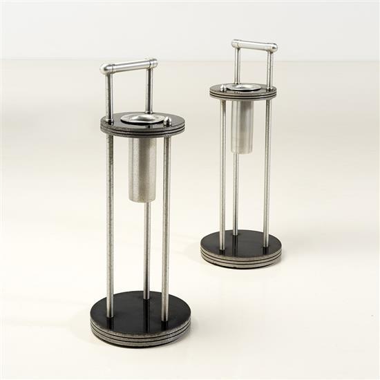 f Warren McArthur (1885-1961)Paire de cendriers
