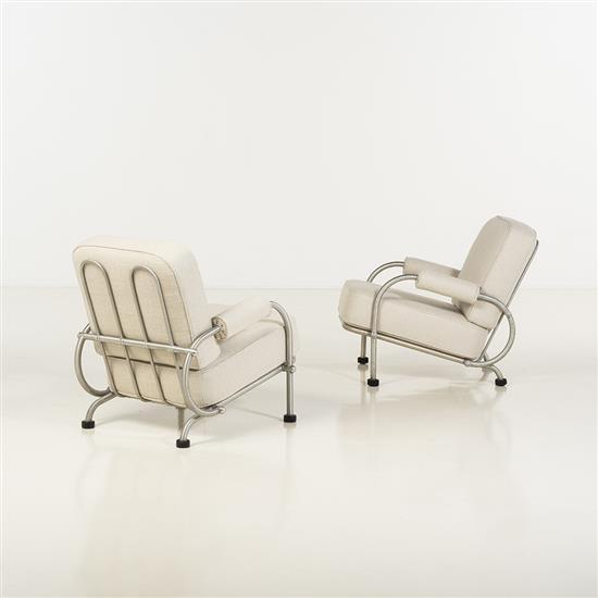 f Warren McArthur (1885-1961)Paire de fauteuils