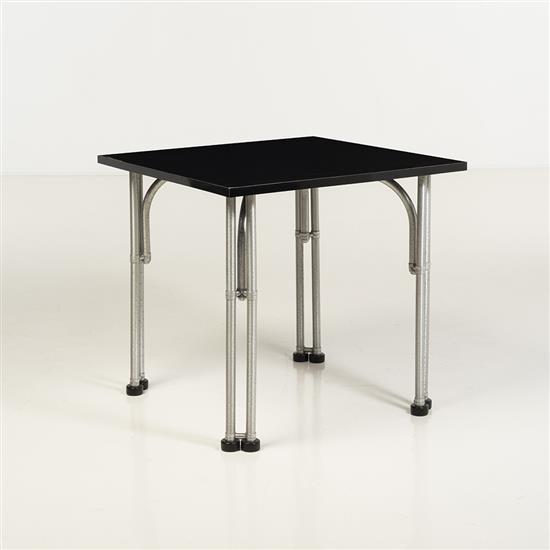 f Warren McArthur (1885-1961)Table