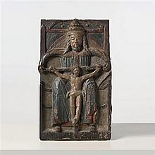 Panneau en chêne sculpté en bas-relief et polychromé représentant le Trône de Grâce.XVIe siècleH 50,9 cm - Largeur : 29,8 cm(petite ...
