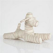Pascal Bernier (né en 1960)Plush-MummyPlâtre et bandeH 28 × L 53 × P 16 cm
