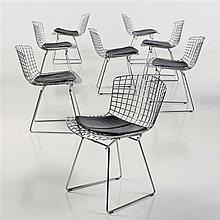 Harry Bertoia (1915 - 1978)Modèle n° 420CSérie de huit chaisesMétal et cuirEdition KnollDate de création : 1952H 73 × L 54 × P 50 cm