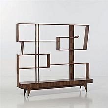 Paolo Buffa (1903-1970) attribué àBibliothèqueBois exotiqueDate de création : vers 1950H 161 × L 184 × P 31,5 cm