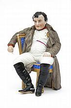 Bohème Portrait de Napoléon 1er assis sur une chaise en biscuit polychrome