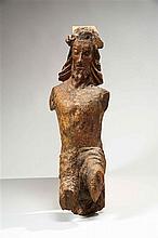 Christ en chêne sculpté avec restes de polychromie