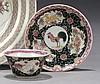 CHINE Époque YONGZHENG (1723-1735) Ensemble comprenant : - Sorbet et son présentoir en porcelaine décorée en émaux polychromes de la...