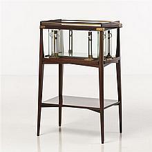 Gustave Serrurier-Bovy (1858-1910) Table à thé avec plateau supérieur amovible, c