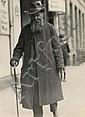 Sasha STONE (1895-1940) Homme dans la rue, St Pauli, Hambourg, années 1930 Épreuve gélatino-argentique d'époque