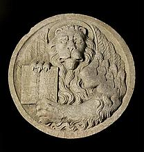 Tondo en pierre marbrière sculptée en fort relief du Lion de Saint-Marc, symbole de la ville de Venise