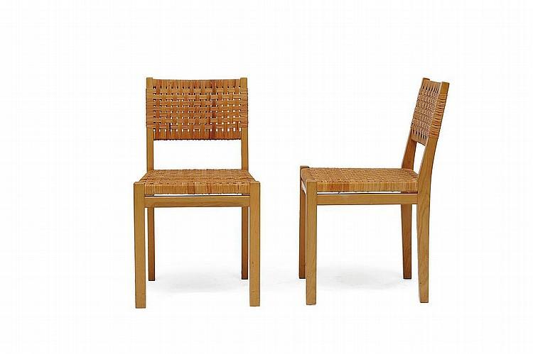 AINO AALTO (1894-1949) Paire de chaises modèle
