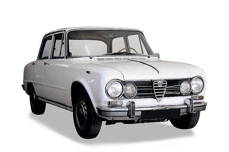 Alfa Romeo Giulia super 1975 Châssis : n° 889682 •