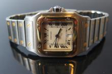 A Cartier Santos Galbee Gent's Quartz Wristwatch with date aperture in stai