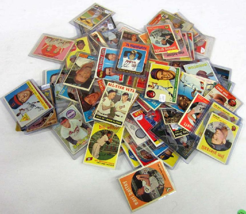 LOT OF APPROX. 100 BASEBALL CARDS - MOST VINTAGE