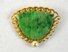 Antique 14K Gold and Jadeite Pin