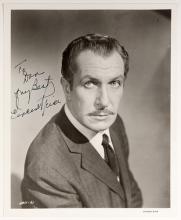 Signed Portrait of Vincent Price. Circa 1961. Studio portrait photograph (8 x 10