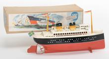 Arnold Wind-Up Ocean Liner Toy. German, Arnold, ca. 1949. Tin wind-up ocean liner with lifeboats. 10 3š4
