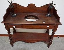 Colonial Cedar Two Drawer Wash Stand 95cm H  96cm L  41cm D