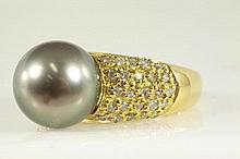 Pearl and Diamond ring with a Tahitian pearl of