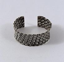 Lord Of The Rings Fellowship Villager's Bracelet Prop