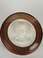 Sujet en plâtre en tondo 'Portrait d'Emmanuel Lorenzo' par Carle ELSHOECT daté 1846. Dans son cadre d'origine en noyer. Diam. : 32 cm