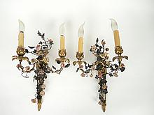 Paire d'appliques double XIXe de style Louis XVI en bronze, tôle et émail à décor de fleurs polychromes