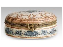 Porcelain jewelry box inlaid copper