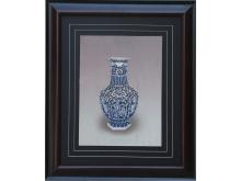 Light blue flowers embroidery hexagonal bottle (Suzhou Embroidery with Blue and White Vase Pattern)