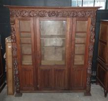 A Magnificent Early 20th C Flemish Oak Display