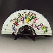 Beautiful Hand-painted Chinese Famille Rose Porcelain Fan w Child Playing Games