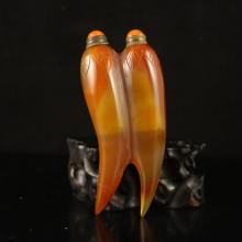 Chinese Natural Agate Cayenne Pepper Shape Snuff Bottle