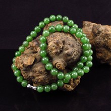 Beautiful Hand-carved Chinese Natural Green Hetian Jade Necklace