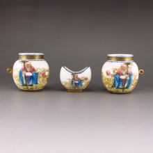 A Set Hand-painted Chinese Gold-plating Famille Rose Porcelain Bird Food Jar w Qianlong Mark