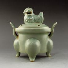 Chinese Yue Kiln Porcelain 3 Leg Incense Burner w Lid & Foo Dog